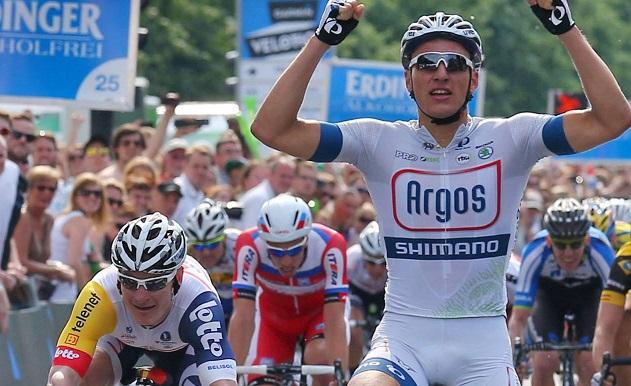 Zum zweiten Mal Sieger des ProRace in Berlin: Marcel Kittel (Argos-Shimano) - Foto: Upsolut/Hochzwei