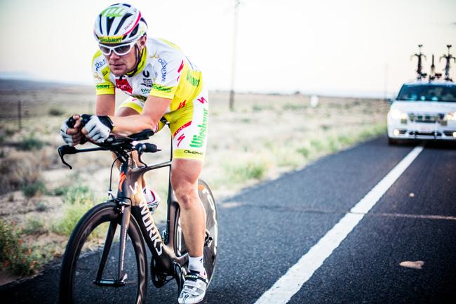 Extremradsportler Christoph Strasser beim RAAM 2014