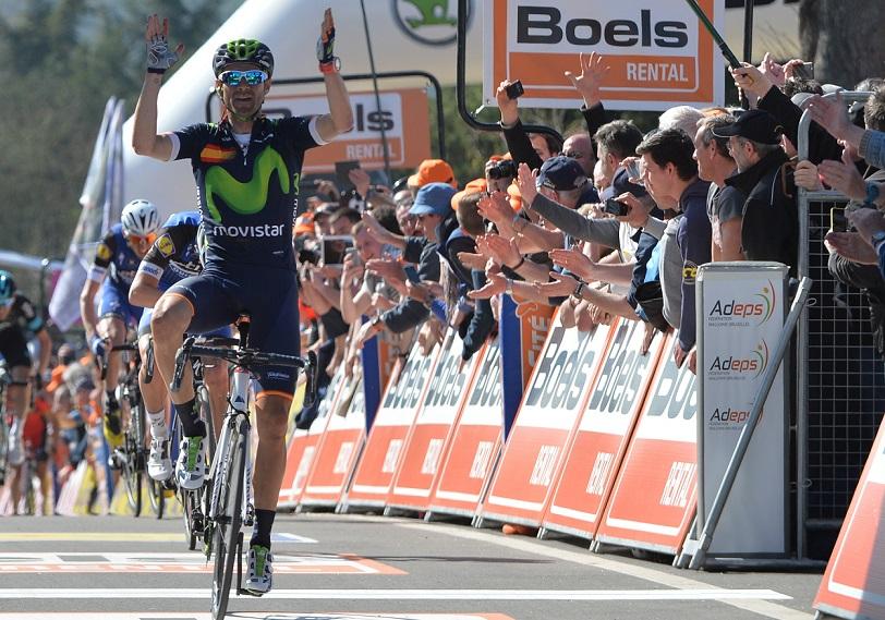 Alejandro Valverde bejubelt seinen Sieg beim Fléche Wallonne 2016