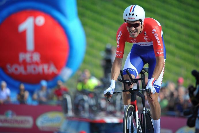 Stürmte mit einem Gala-Auftritt im Kampf gegen die Uhr ins Rosa Trikot beim 100. Giro d'Italia: Tom Dumoulin - Foto: © Cor Vos / Team Sunweb