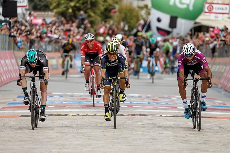 Fotofinish: Das Finale der 7. Etappe beim 100. Giro d'Italia