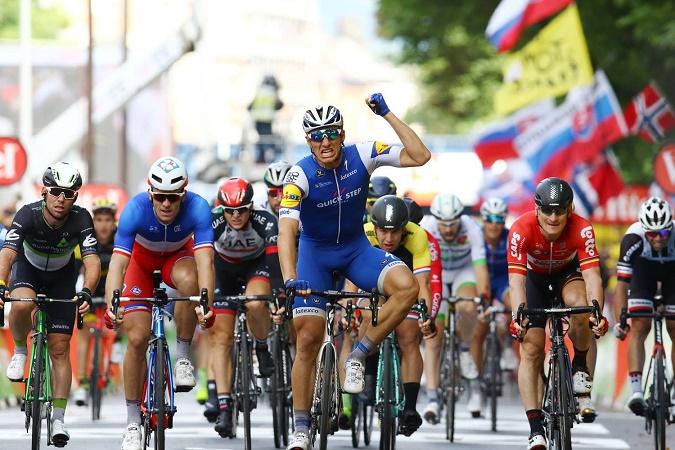 Schnellster in Lüttich: Marcl Kittel (Quick-Step Floors) bejubelt seinen zehnten Tour-Etappensieg - Foto: Christopher Jobb / www.christopherjobb.de
