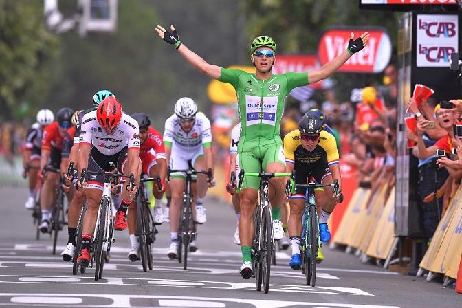 Nun alleiniger deutscher Rekordhalter der Tour de France: Marcel Kittel (Quick-Step Floors) gewinnt die 10. Etappe vor John Degenkolb (Trek-Segafredo) - Foto: © Tim De Waele / Quick-Step Floors Cycling