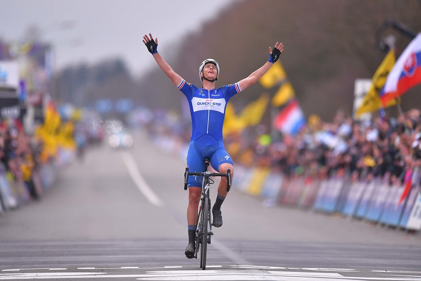Niki Terpstra (Quick-Step Floors) bejubelt seinen Sieg bei der 102. Flandern-Rundfahrt - Foto: © Quick-Step Floors Cycling Team / Tim de Waele / Getty Images