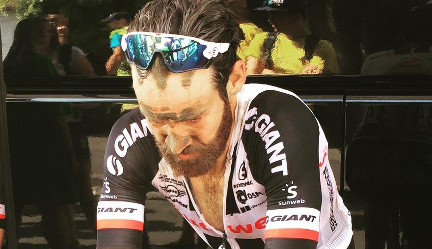 Hatte in seinem Saisonrennen gleich richtig Pech: Simon Geschke (hier noch im Sunweb-Trikot) - Foto: Christoph Sicars